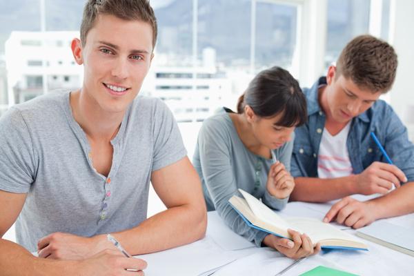 Vorbereitungskurs Aufnahmeprüfung in die Berufsmittelschule